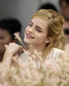 /r/EmmaWatson - For everything about the lovely and glorious Emma Watson. Emma Watson Hot, Ema Watson, Emma Watson Style, Emma Watson Beautiful, Emma Watson Sexiest, Hermione Granger, Emma Love, Sofia Coppola, Olivia Munn