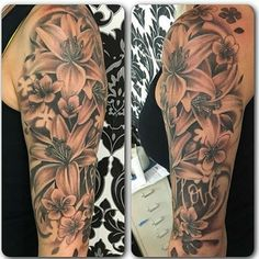 Lily Floral Tattoo Sarah Michelle Black Gold Tattoo Co - Tattoo ideen - Tatouage Dope Tattoos For Women, Tattoos For Women Half Sleeve, Half Sleeve Tattoos Designs, Shoulder Tattoos For Women, Lily Tattoo Sleeve, Arm Sleeve Tattoos, Pretty Tattoos, Beautiful Tattoos, Marvel Tattoos