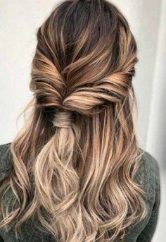 Women Hairstyles Short Pretty Hairstyles to Flaunt at a Spring Wedding.Women Hairstyles Short Pretty Hairstyles to Flaunt at a Spring Wedding Date Hairstyles, Night Hairstyles, Twist Hairstyles, Pretty Hairstyles, Hairstyle Ideas, Casual Hairstyles, Cute Quick Hairstyles, Cute Everyday Hairstyles, Fringe Hairstyle