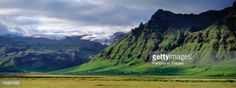 iceland-south-coast-sheer-basalt-cliffs-view-of-farm-and-cliff-in-the-picture-id55960566 (675×253)