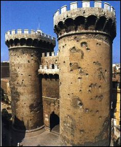Las Torres de Quart, Valencia, Spain | Pair of twin towers, built in the 15th century by Pere Bofill. These two towers, cylindrical on the outside and flat behind, are a clear example of late Gothic military architecture. They are remnants of the medieval wall that used to surround the old town of Valencia. Landmark Worldwide, 15th Century, Spain Travel, Old Town, Knights, Trip Planning, Mattress, Madrid, Medieval