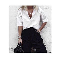 @emilycocklin is wearing @secondfemale Cobra Shirt #cool #styling #cobra #shirt #newin #secondfemale #news #shoponline #linkinbio