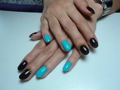 Brown & blue oval nails