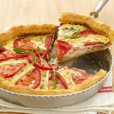 Our best recipes for savory pies - 26 pics - Recettes - Tartes Salees Tart Recipes, Veggie Recipes, Snack Recipes, Snacks, Quiches, Savory Pastry, Canadian Food, Healthy Food Choices, Savoury Dishes