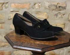 vintage 1960s heels / 60s black Deb Liso Debs by simplicityisbliss