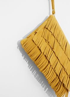 Latest trends in women's fashion. Discover our designs: dresses, tops, jeans, shoes, bags and accessories. Diy Clutch, Diy Purse, Clutch Bag, Crossbody Bag, Tote Bag, Leather Fringe, Leather Clutch, Leather Bags, Fringes