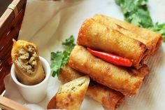 065701.2k12.3k0السلام عليكم و رحمة الله و بركاته This Chicken Spring Roll Recipe is not much different from the Veg Spring Roll that I have already shared with you all. I just add some chicken with the veggies and fill it in the spring roll sheet and a tasty chicken spring roll recipe is ready. Crisp...Read More »