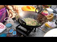 That's the famous roadside poha in Nerul, best maharahstrian style breakfast that Poha, Give it a try. Poha Recipe, Wok, Indian Food Recipes, Rice, Street Style, How To Make, Photograph, Youtube, Photography