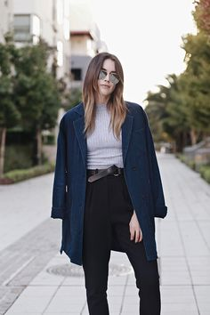 @thriftsnthreads styles our Denim Trench for a laid-back chic look