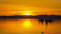 Sunset last weekend from Burlington Vermont.  Please share and like. If you would like to purchase this photograph message me and I will make arrangements for you.  #newengland #newenglandphotography #landscapes