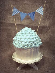 Smashed cake Big cupcake