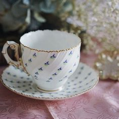 Small lavender pattern with very special cup rim and handle. A very rare design…
