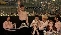 VIXX Hongbin waving to Lee Hyun Woo, his fellow cast member of Moorim school.