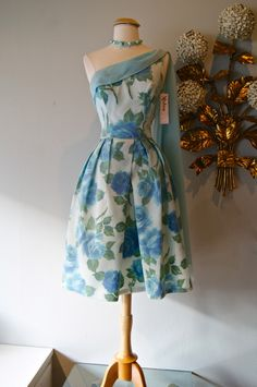 vintage dress 1950s blue roses at Xtabay Vintage.