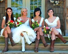 Country #Wedding ♡ 'How to plan a wedding' iPhone App ... Your Complete Wedding Ceremony Guide ♡ https://itunes.apple.com/us/app/the-gold-wedding-planner/id498112599?ls=1=8 ♡ Weddings by Colour ♡ http://www.pinterest.com/groomsandbrides/boards/
