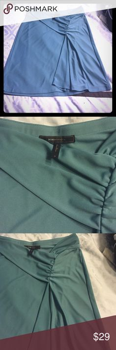 Bcbg skirt Awesome green bcbg skirt - comfortable and stretchy! Great color for summer BCBGMaxAzria Skirts