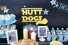 Star Wars Hutt Dogs & Padawan popcorn. Cute food for nomonausea.com May the Fourth party