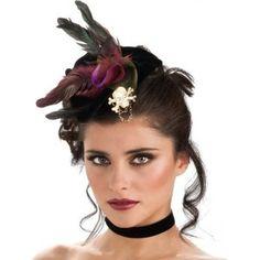 Mini chapeau pirate gothique velours noir femme et ados avec bijou tête de mort or pailleté, chaine et plumes.