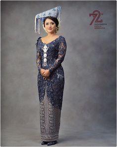 Fashion Designer : Yana (081318005733) : verakebaya@me.com (by appointment)