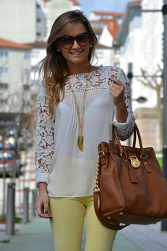 Cute white top & yellow pants http://www.studentrate.com/fashion/fashion.aspx