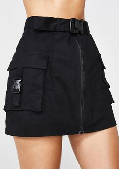 Miss Behaving Cargo Skirt - - Poster Grl Miss Behaving Cargo Skirt acting all innocent, grl plz! Go awfff hunty in this high waist mini skirt that has a full front zip closure, side cargo pockets with buckle closures N' a twinin' buckle belt. Lila Outfits, Teenage Outfits, Teen Fashion Outfits, Cute Casual Outfits, Edgy Outfits, Mode Outfits, Grunge Outfits, Fashion Women, Batman Outfits