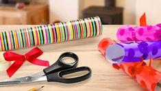 Bastelmaterialien, um eine Einladung zum Kindergeburtstag zu basteln