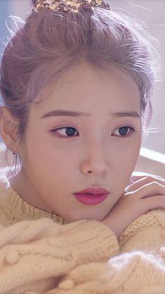 Korean Makeup, Korean Beauty, Kpop Girl Groups, Kpop Girls, Iu Hair, Art Anime, Fashion Photography Poses, Pink Moon, Model Face