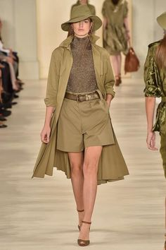 See the complete Ralph Lauren Spring 2015 Ready-to-Wear collection.