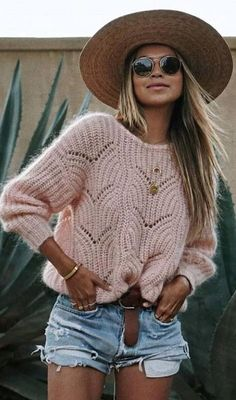 52 Awesome Easy Crochet Tops For This Summer 2019 Crochet Shirt, Crochet Tops, Easy Crochet, Free Crochet, Jumper Outfit, Jumpers For Women, Fashion Outfits, Womens Fashion, Crochet Clothes