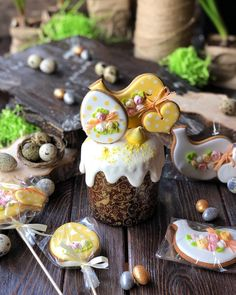 Buttercream Cake Decorating, Cookie Decorating, Sweet Cookies, Pastry Shop, Easter Cookies, Easter Recipes, Mini Cakes, Holiday Treats, Yummy Cakes