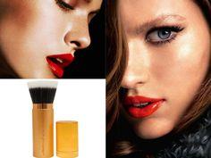 Πούδρα: μυστικά για ένα φυσικό και ομοιόμορφο αποτέλεσμα! Kai, Lipstick, Beauty, Lipsticks, Beauty Illustration, Chicken
