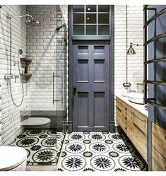 "59 Likes, 4 Comments - Silvia Serra (@omnibusbysilviaserra) on Instagram: ""Escapada agotadora! Os dejo un super lavabo. Buenas noches! ❤️❤️❤️ #omnibusbysilviaserra #vintage…"""