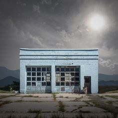 Abandoned And Isolated Signs of Human Beings - Ed Freeman Old Buildings, Abandoned Buildings, Abandoned Places, Night Photography, Color Photography, Ed Freeman, Photo Ed, Look Dark, Old Gas Stations