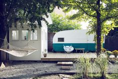 Outbuilding of the Week: A Retro '60s Camper, Outdoor Bathhouse Included