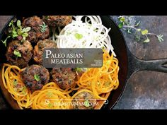 Paleo Asian Meatballs ! Paleo juicy Asian flavored meatballs filled with vegetables and savory herbs. Paleo Asian food. Paleo Chinese food recipes.
