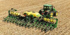 John Deere (@JohnDeere)   Twitter John Deere Toys, John Deere Tractors, John Deere Equipment, Heavy Equipment, Modern Agriculture, Tractor Implements, Farm Pictures, Farm Toys, Work Horses