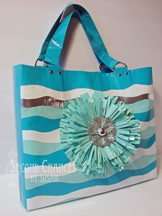 Second Chances by Susan: duct tape purse. I like this fringe flower.