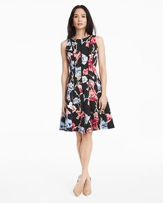 LOVE the style and FIT of this dress. I tried it on at the store and it is SO flattering!