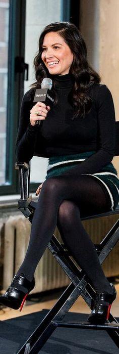 Olivia Munn: Dress – Giambattista Valli  Shoes – Christian Louboutin  Jewelry – Jennifer Meyer