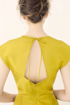 Key Hole Back - Photo: Jamie Beck/Katie Ermilio (from: http://www.refinery29.com/pretty-preview-katie-ermilio-spring-12-is-a-bridesmaid-s-dream/slideshow?page=37#slide-37 )