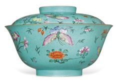 A LARGE FAMILLE ROSE SGRAFFITO TURQUOISE-GROUND BOWL AND COVER18TH-19TH…