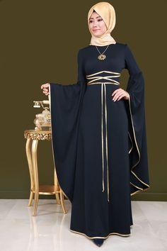 ** SONBAHAR / KIŞ ** Volan Kol Elbise Laci Ürün kodu: ASM2031 --> 114.90 TL Muslim Dress, Hijab Dress, Eid Dresses, Evening Dresses, Fashion Show, Fashion Outfits, Womens Fashion, Modele Hijab, Bridal Hijab