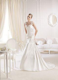 Abito a sirena in Taffetà e Pizzo con bretelline e scollo a cuore. La Sposa Barcelona by Pronovias Fashion Group