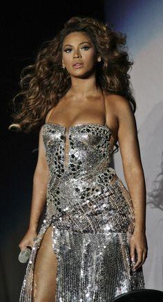 Beyonce on concert Beyonce Et Jay Z, Queen Bee Beyonce, Beyonce Style, Beyonce Knowles Carter, Beyonce Beyonce, Kylie Jenner, Beyonce Pictures, Melania Trump, Vanessa Williams