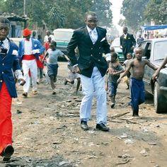 コンゴにいる世界一おしゃれな紳士たち「サプール」写真集