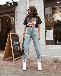 Find the most beautiful outfits for your autumn look. Outfits 2019 Outfits casual Outfits for moms Outfits for school Outfits for teen girls Outfits for work Outfits with hats Outfits women Casual Fall Outfits, Spring Outfits, Trendy Outfits, Winter Outfits, Cute Outfits, Fashion Outfits, Jeans Fashion, Work Outfits, Casual Wear