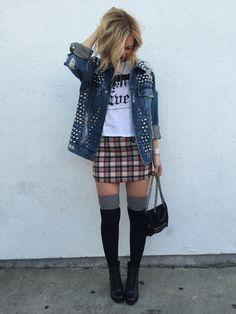 Top// Emma and Sam Jacket// Furst of a Kind Vintage Skirt// LF Robertson #streetstyle #fallfashion