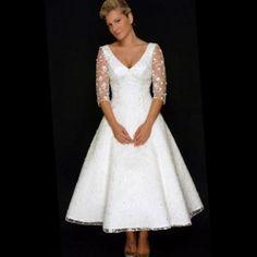 Older Bride, Vintage Wedding, Vintage Style Weddings, Bridal Dresses, Wedding Dresses, Wedding Ideas, Lace Wedding, Bridalwear Lacey, Tea Length Wedding