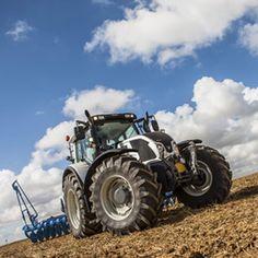 Para determinar la potencia de motor de un tractor, hay multitud de normas que miden la potencia en el volante motor excepto, el ensayo OCDE, que lo hace en la toma de fuerza.  La mayor diferencia es que en algunas se mide la potencia tras retirar del motor elementos que consumen energía.