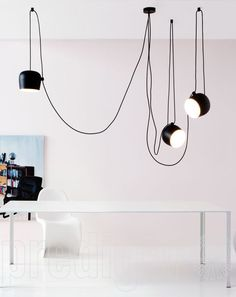 The Flos AIM Small pendant lamp. Discover the lamp like a liana vine designed by Ronan and Erwan Bouroullec in the interior design shop! Office Lighting, Interior Lighting, Modern Lighting, Track Lighting, Contemporary Pendant Lights, Modern Pendant Light, Plug In Pendant Light, Pendant Lighting, Pendant Lamps